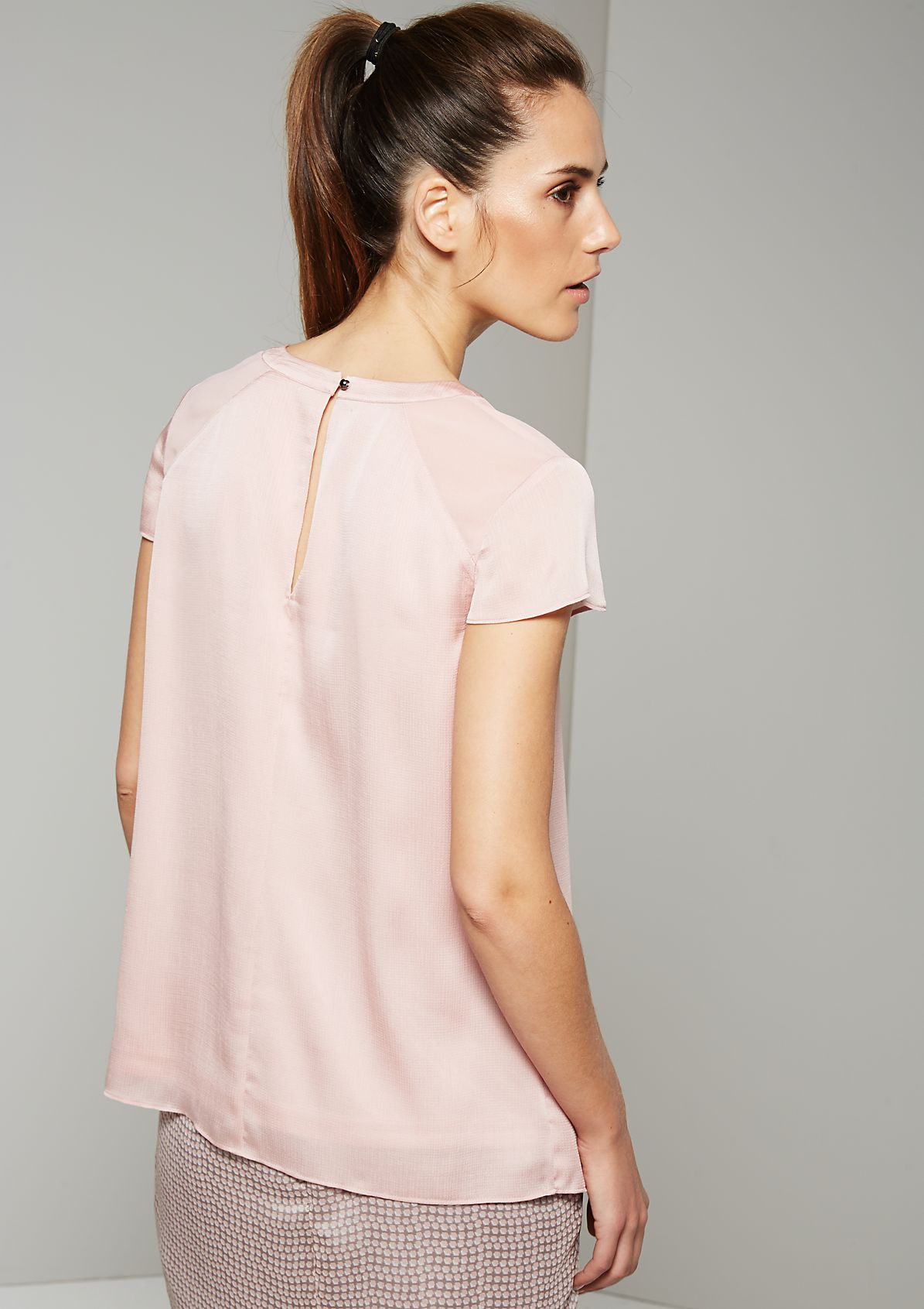 Charming summer top with great puckers from s.Oliver