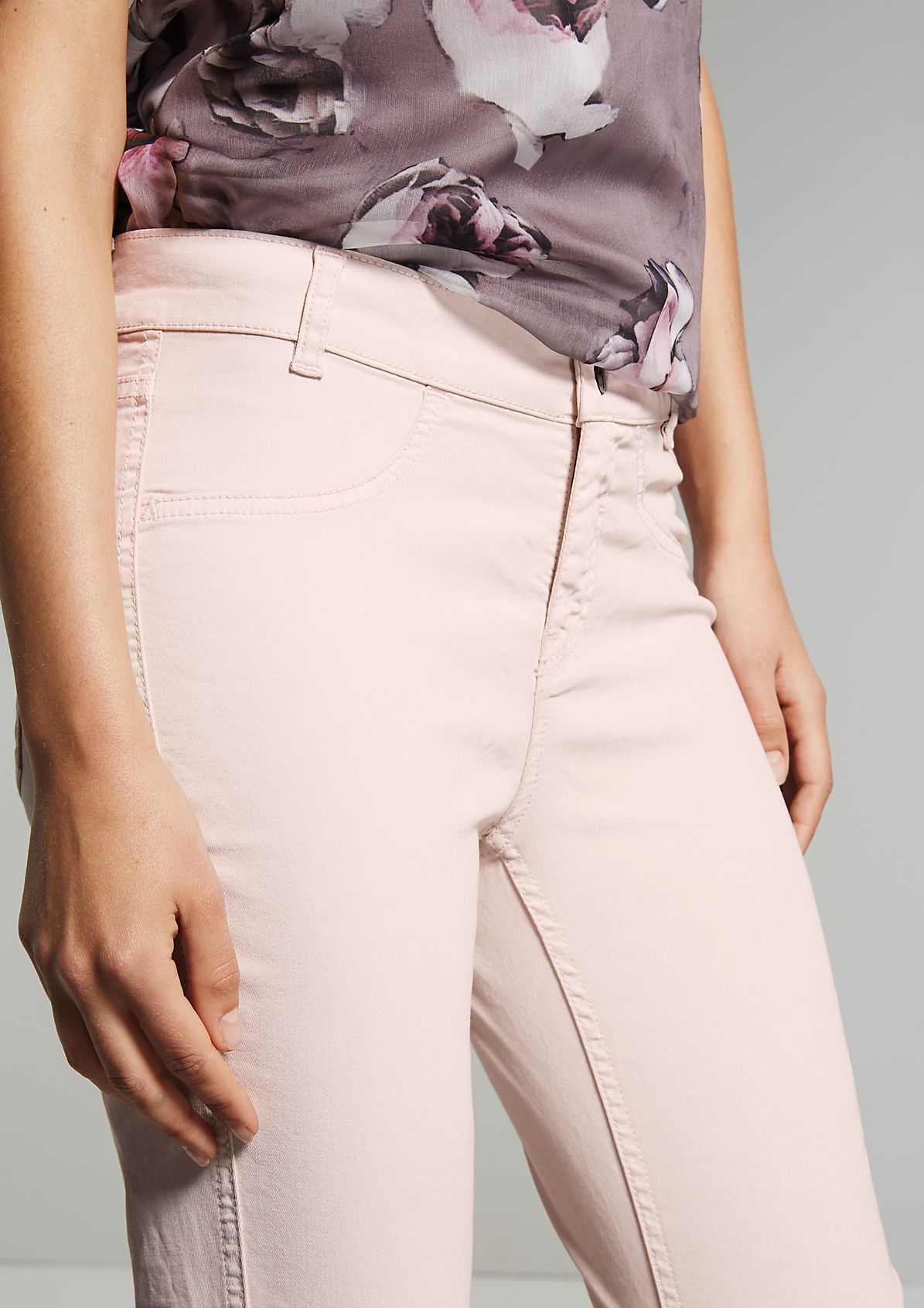 Lightweight summer jeans with sophisticated details from s.Oliver