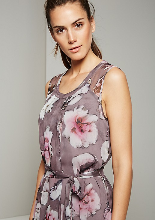 Delicate dress with an enchanting floral print from s.Oliver