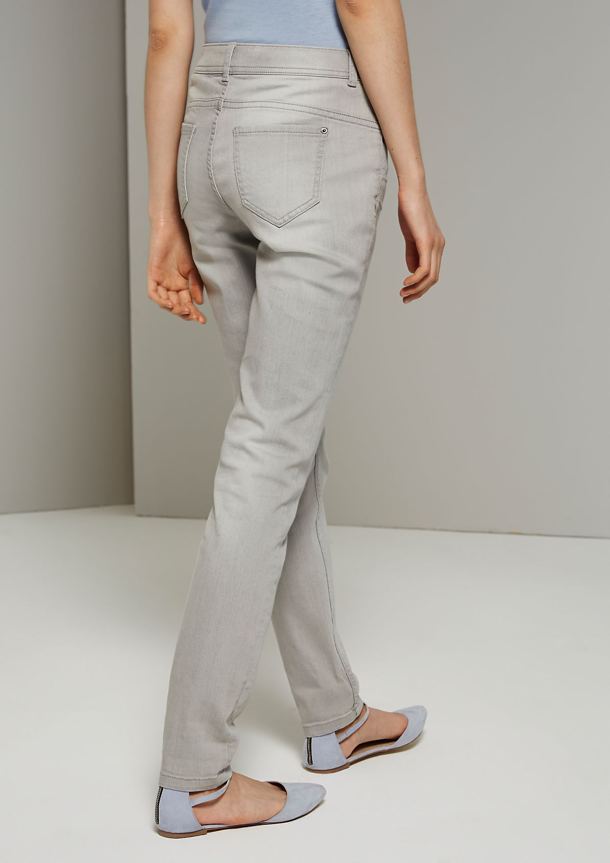 Casual jeans in a five-pocket design with beautiful details from s.Oliver