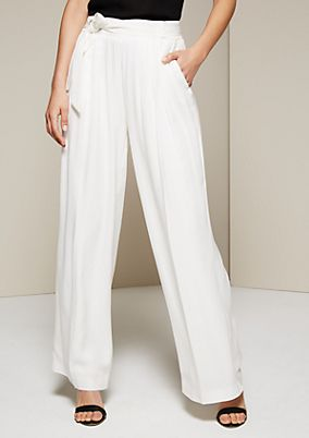 Lightweight summer trousers with a belt from s.Oliver
