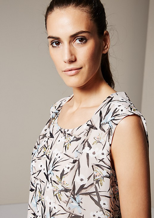 Lightweight crêpe top with a beautiful all-over pattern from s.Oliver