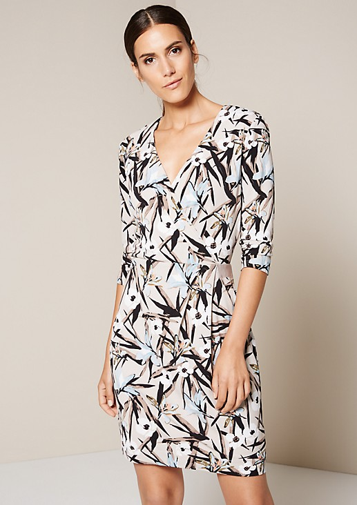 Elegant crêpe dress with 3/4-length sleeves and a decorative all-over print from s.Oliver