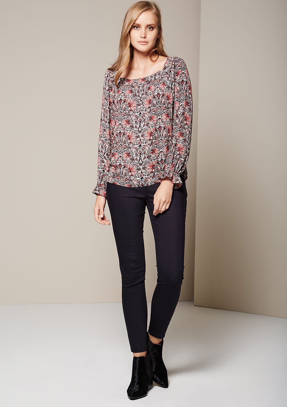Attractive long sleeve chiffon blouse with a wonderful all-over print from s.Oliver