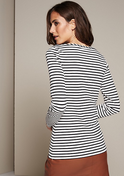 Beautiful long sleeve top with a sporty striped pattern from s.Oliver
