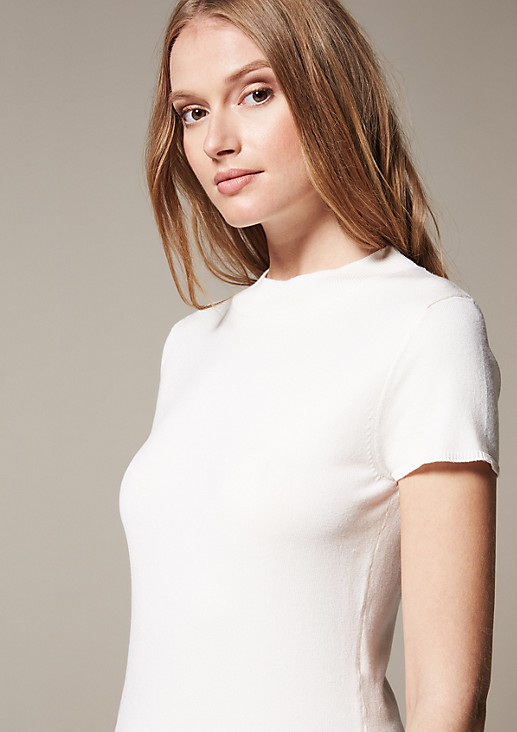 Simple short sleeve knitted jumper with beautiful details from s.Oliver