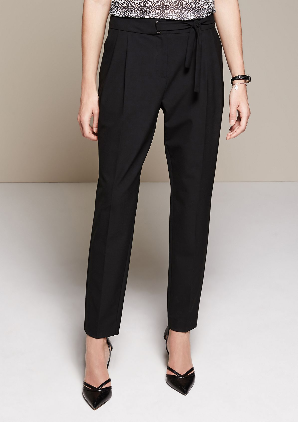 Beautiful business trousers with fabulous details from s.Oliver