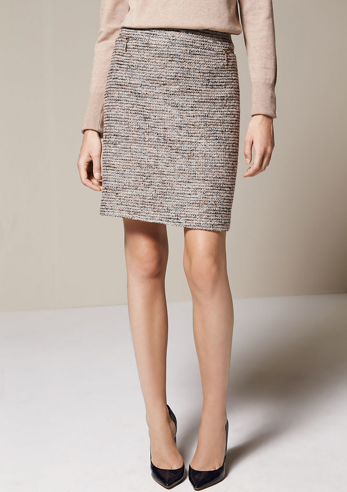 Elegant short skirt with an exciting pattern from s.Oliver