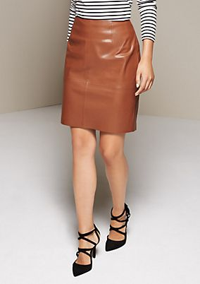 Short skirt made from elegant imitation leather from s.Oliver