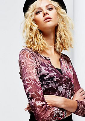 Very delicate mesh top with an elaborate all-over print from s.Oliver