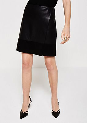 Glamorous mini skirt in a mix of materials from s.Oliver