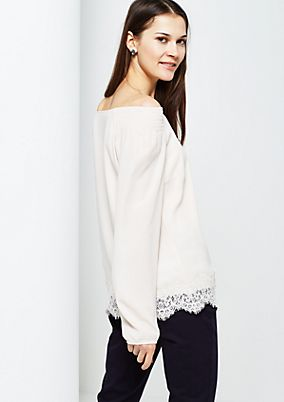 Extravagant crêpe blouse with delicate lace trim from s.Oliver