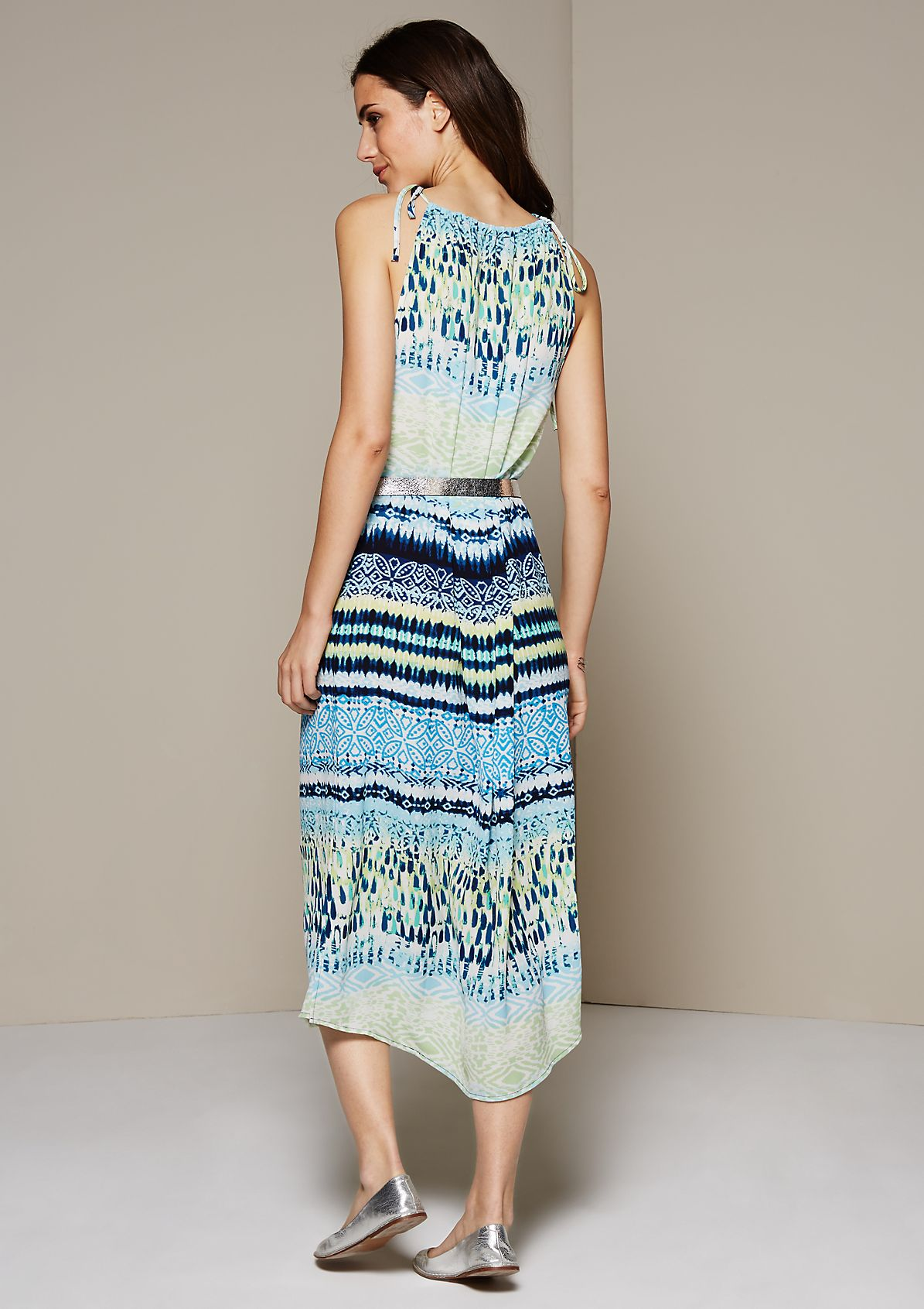 Casual crêpe maxi dress with a beautiful all-over print from s.Oliver