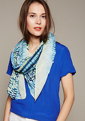 Lightweight summer scarf with a colourful pattern from s.Oliver