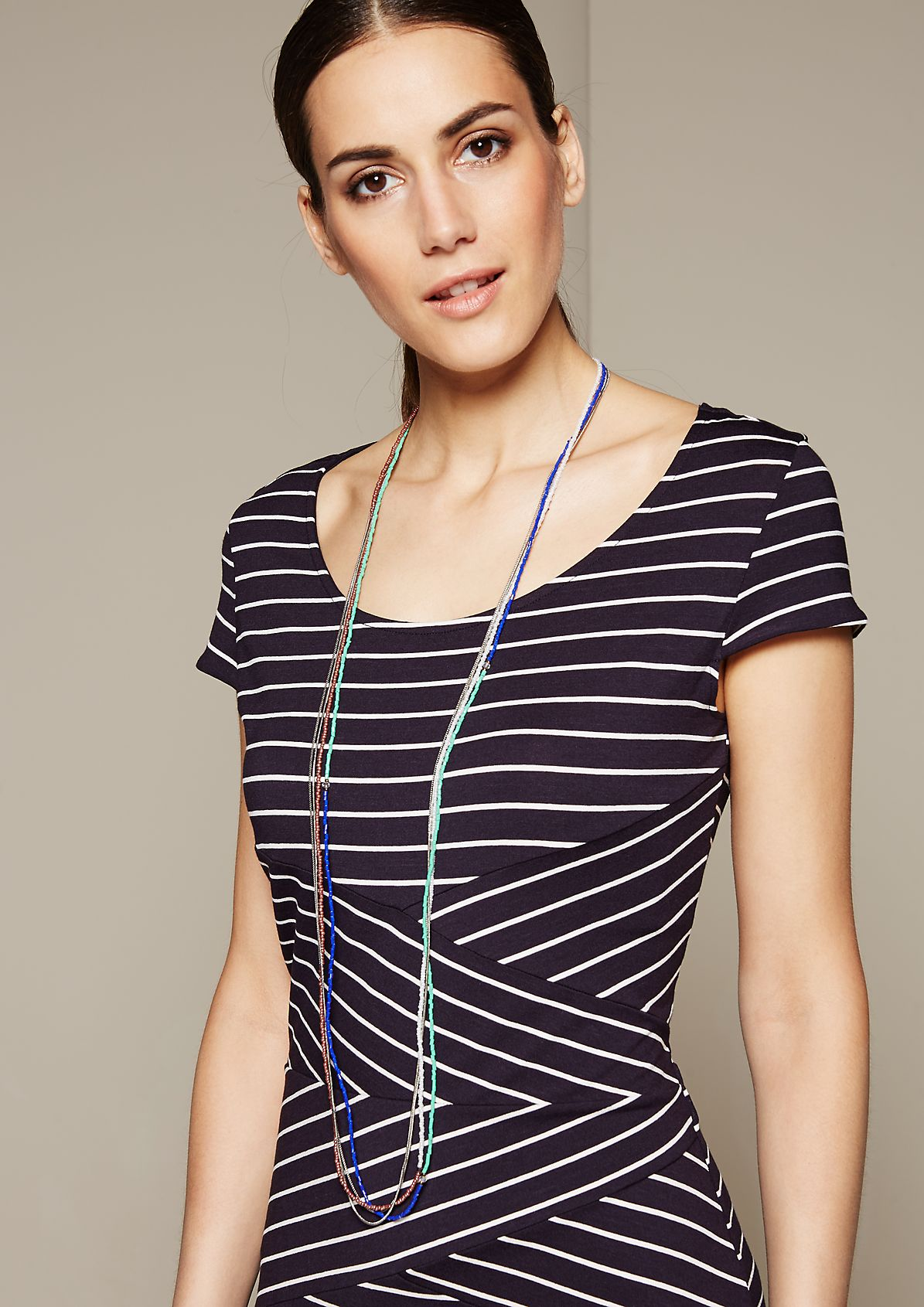 Long necklace in a mix of materials from s.Oliver