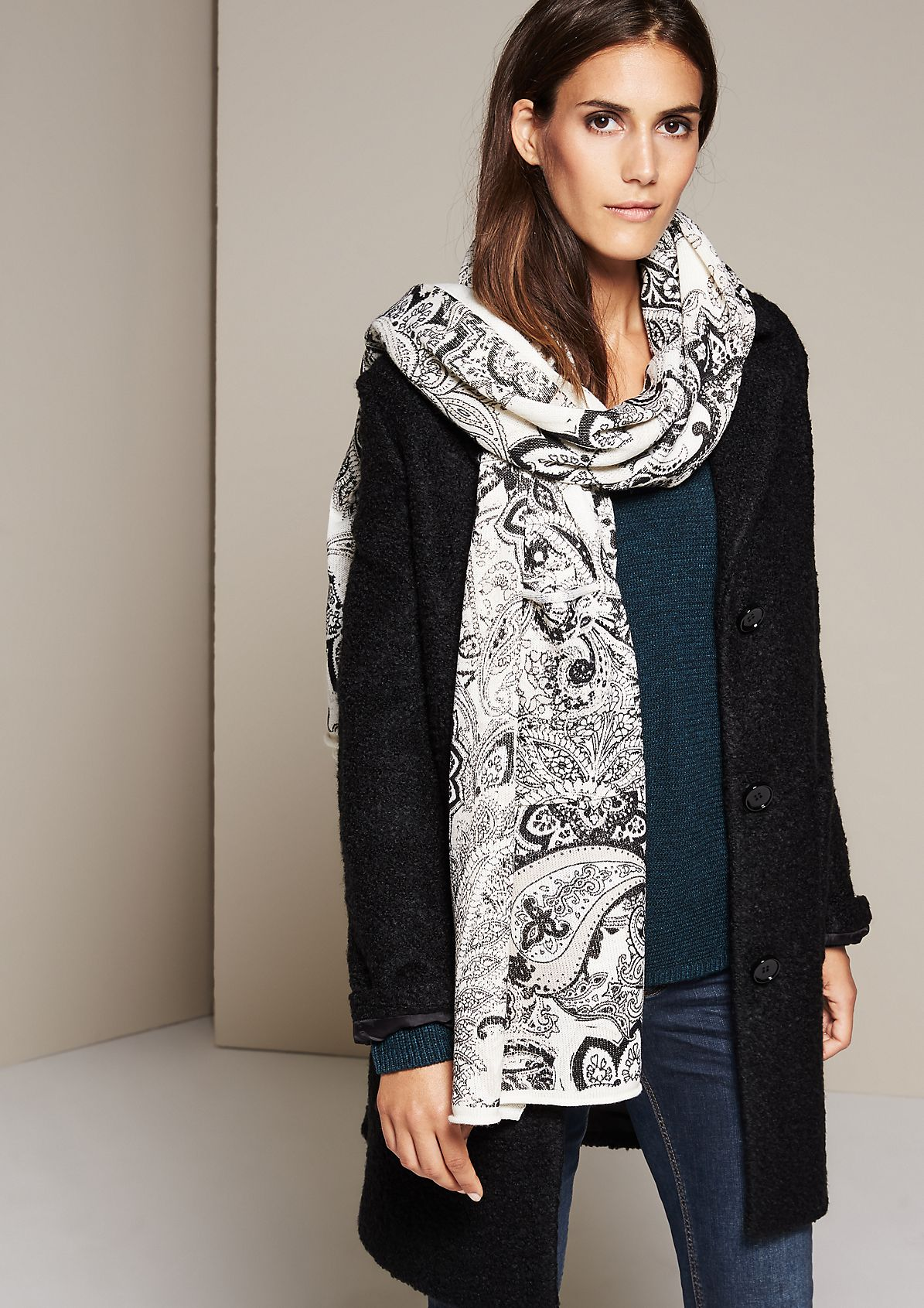 Cosy knit scarf with an exciting all-over pattern from s.Oliver
