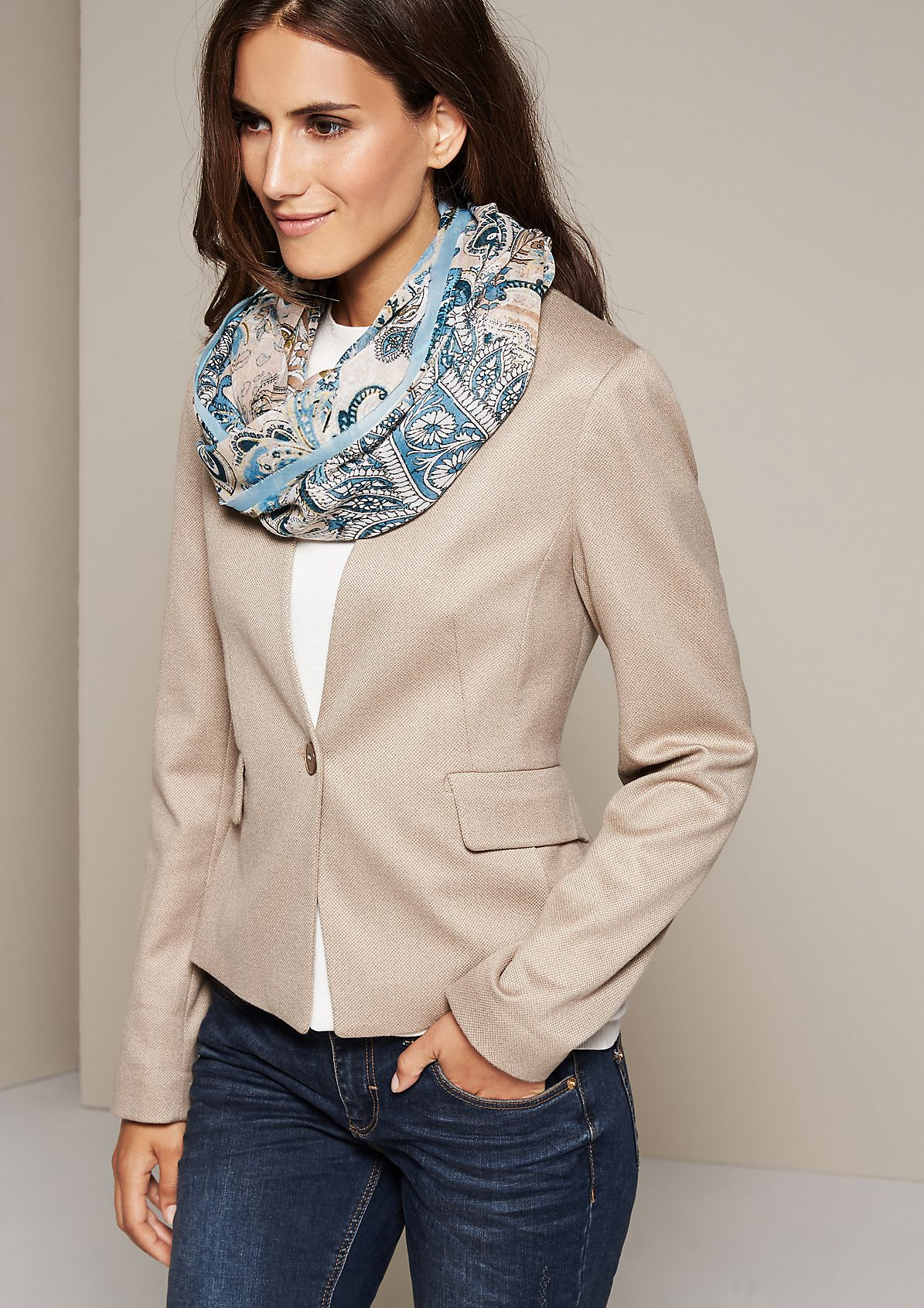 Delicate scarf with a fine pattern from s.Oliver