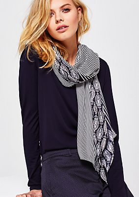 Scarf with a matte sheen and a decorative all-over print from s.Oliver