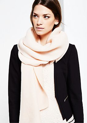 Wide crêpe scarf in a ribbed look from s.Oliver