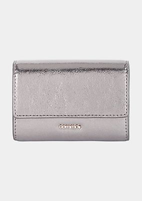 Beautiful wallet with a silvery, shiny finish from s.Oliver