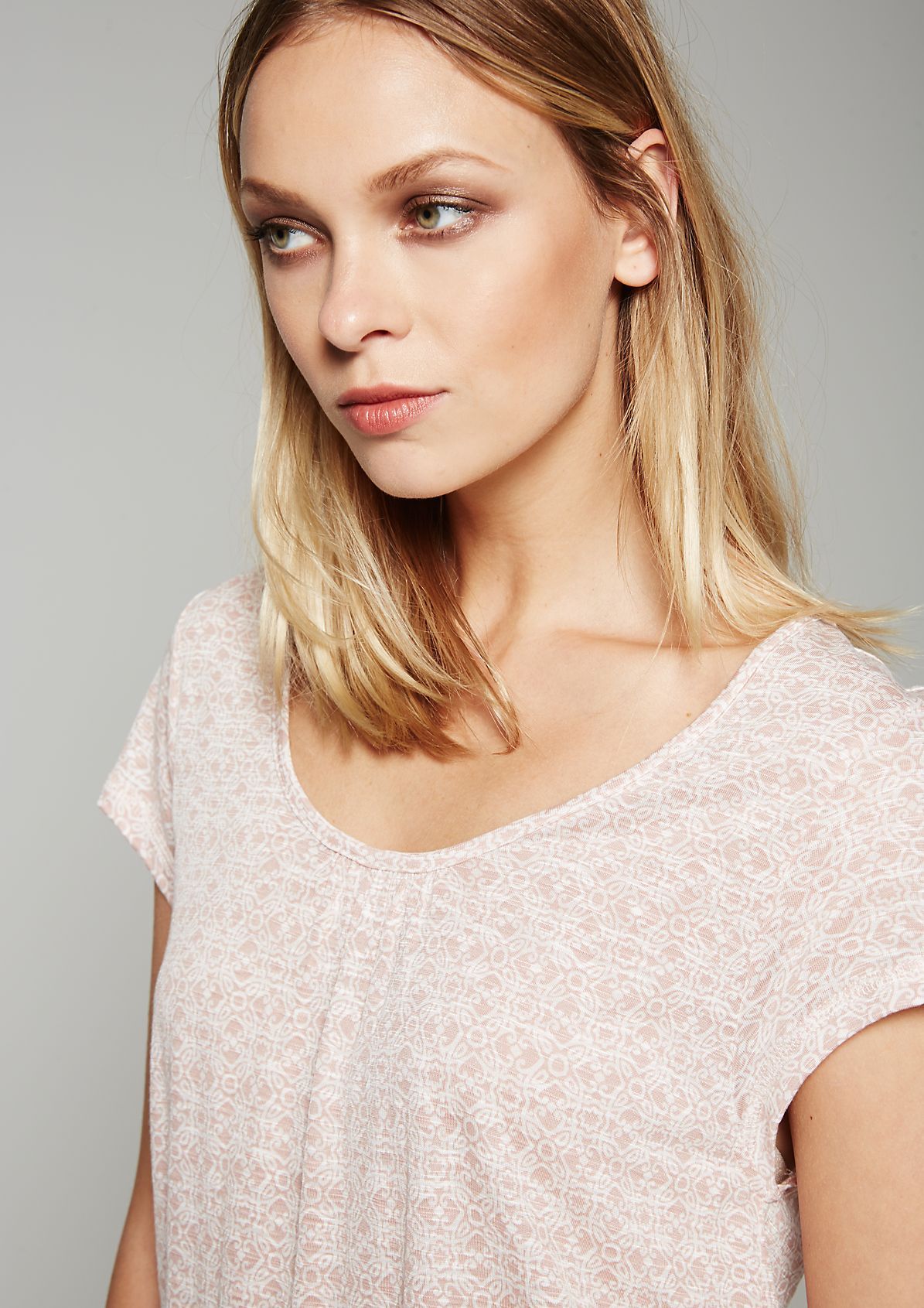 Summery short sleeve top with a pretty pattern from s.Oliver