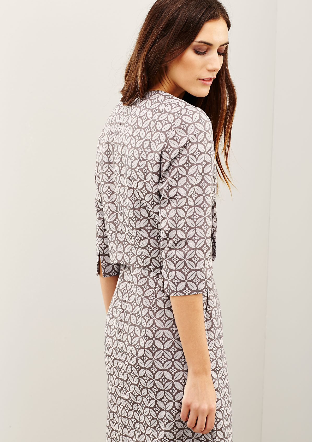 Extravagant short blazer with an exciting all-over pattern from s.Oliver