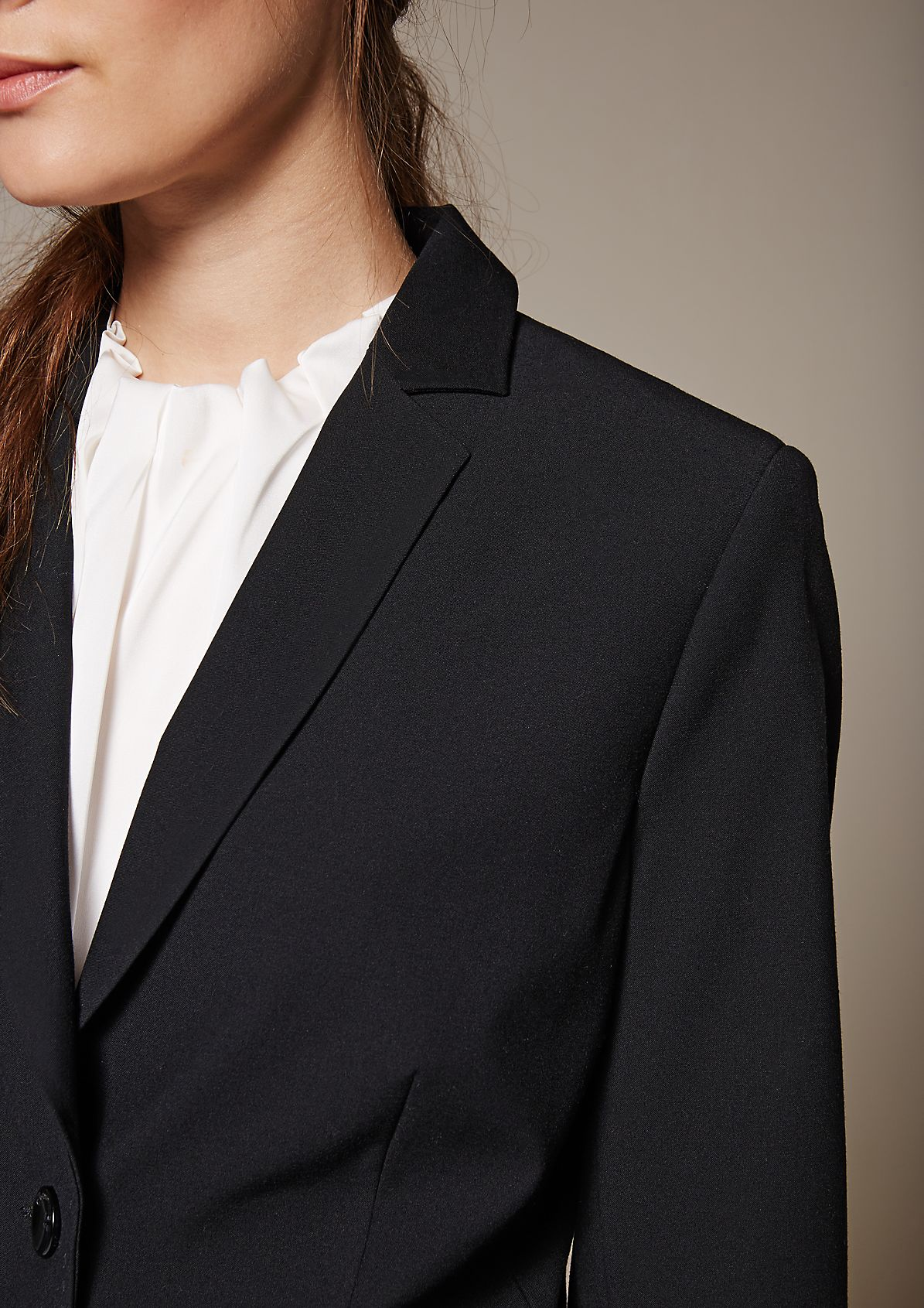 Classic blazer with sophisticated details from s.Oliver