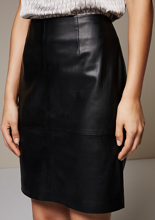 Short imitation leather skirt with an elegant sheen from s.Oliver