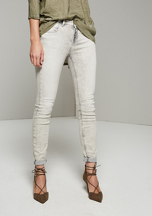 Summery five-pocket jeans with an extravagant enzyme garment wash from s.Oliver