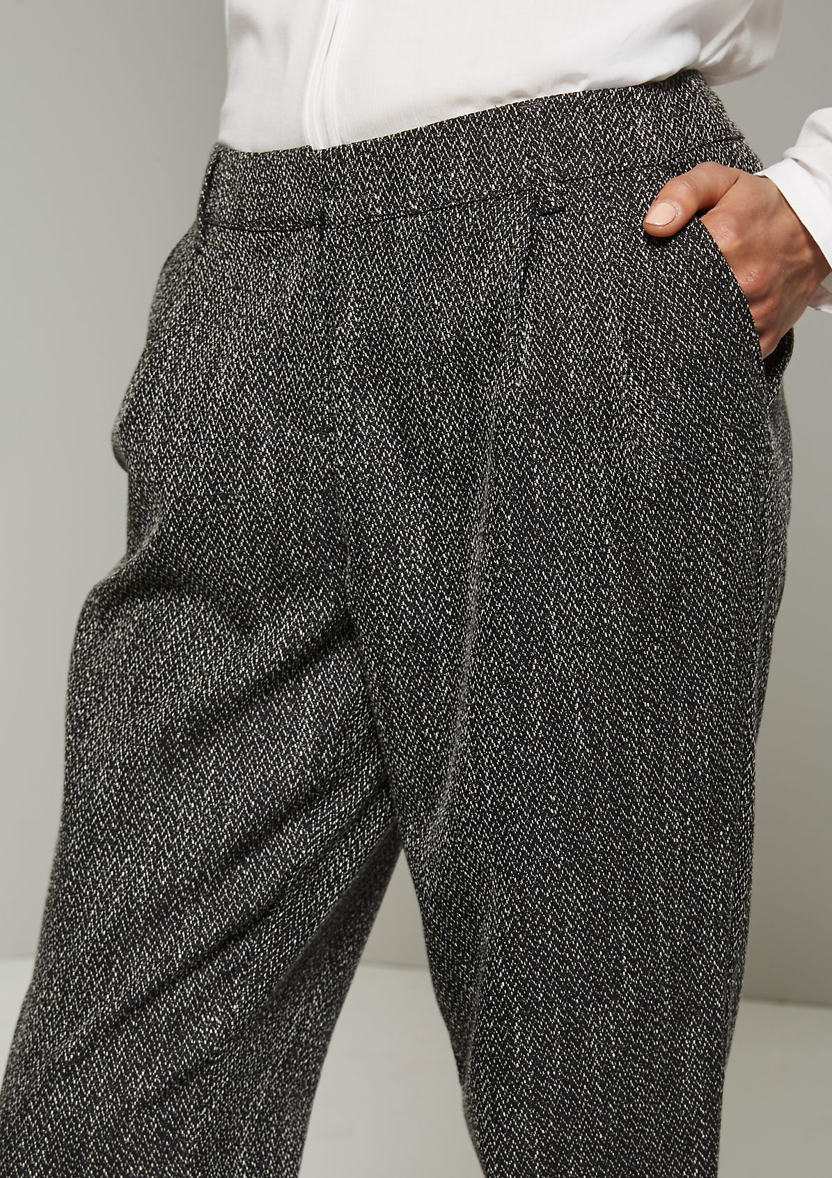 Feminine trousers with a classic herringbone pattern from s.Oliver