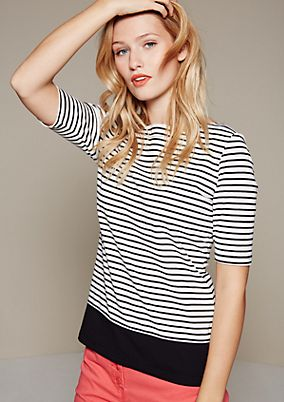 Sporty jersey top with a classic striped pattern from s.Oliver