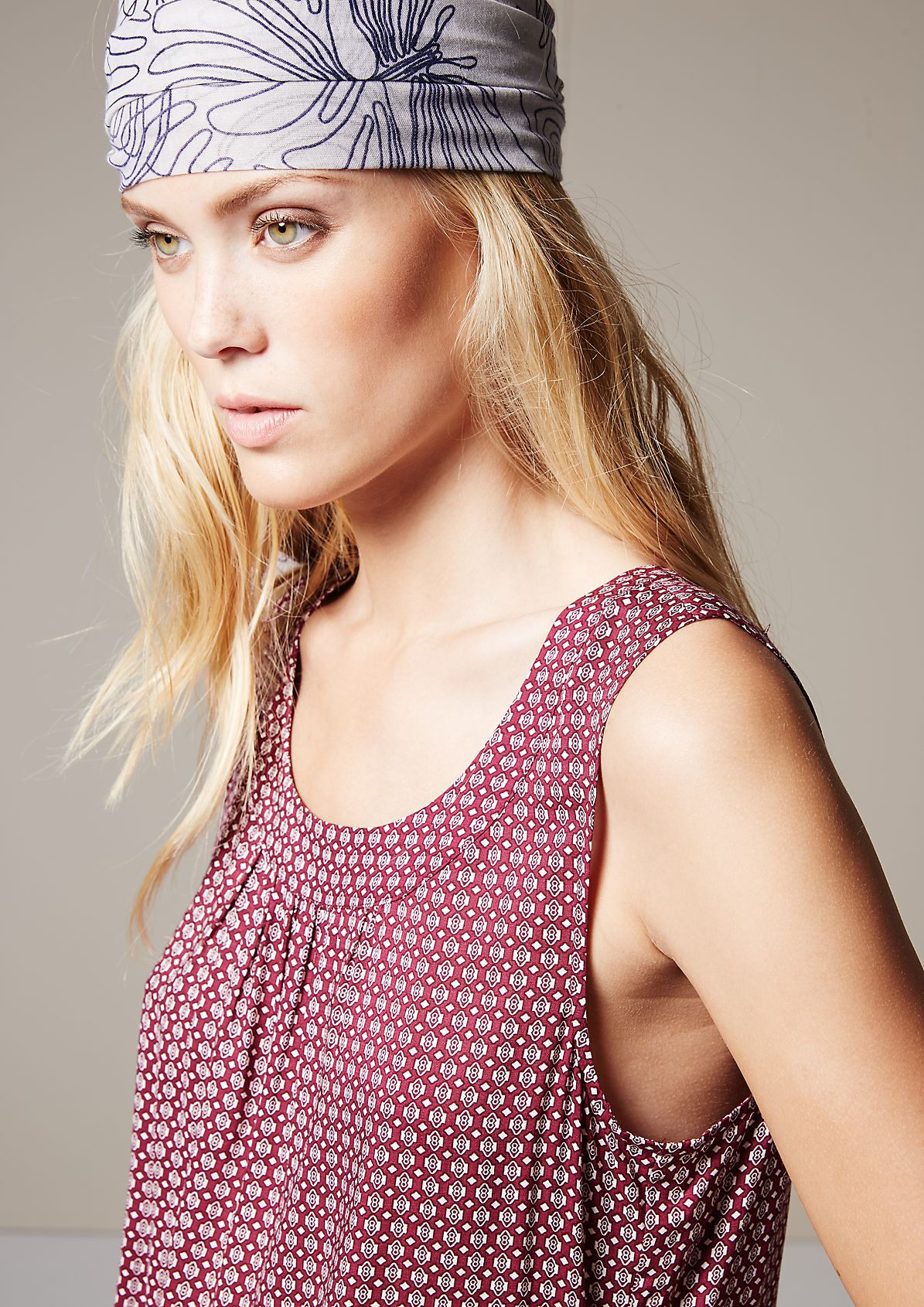 Pretty blouse top with a decorative all-over pattern from s.Oliver