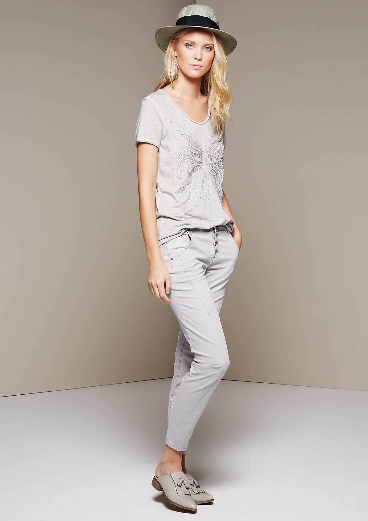 Sporty trousers with beautiful details from s.Oliver