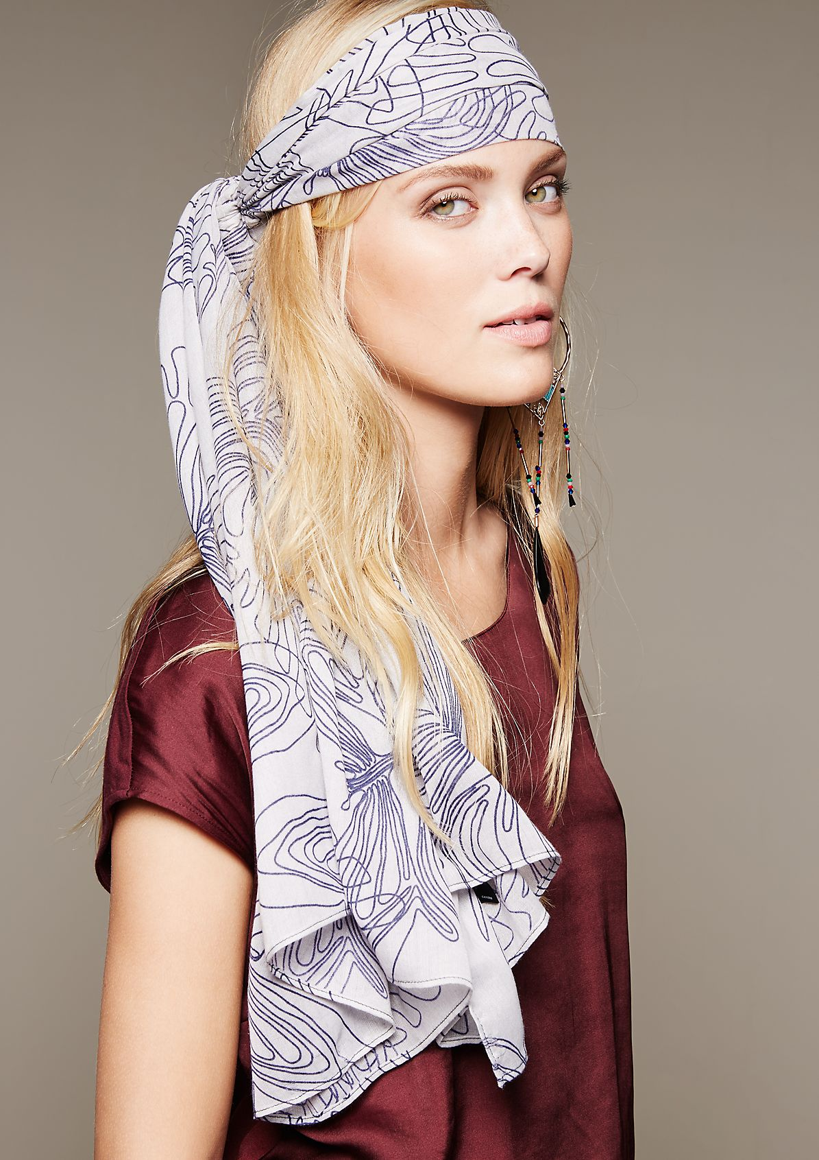Delicate scarf with a decorative pattern from s.Oliver