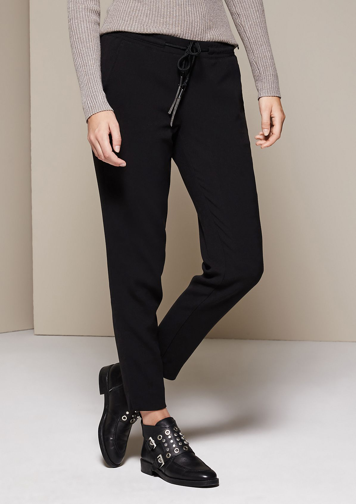 Elegant, casual trousers with exciting details from s.Oliver