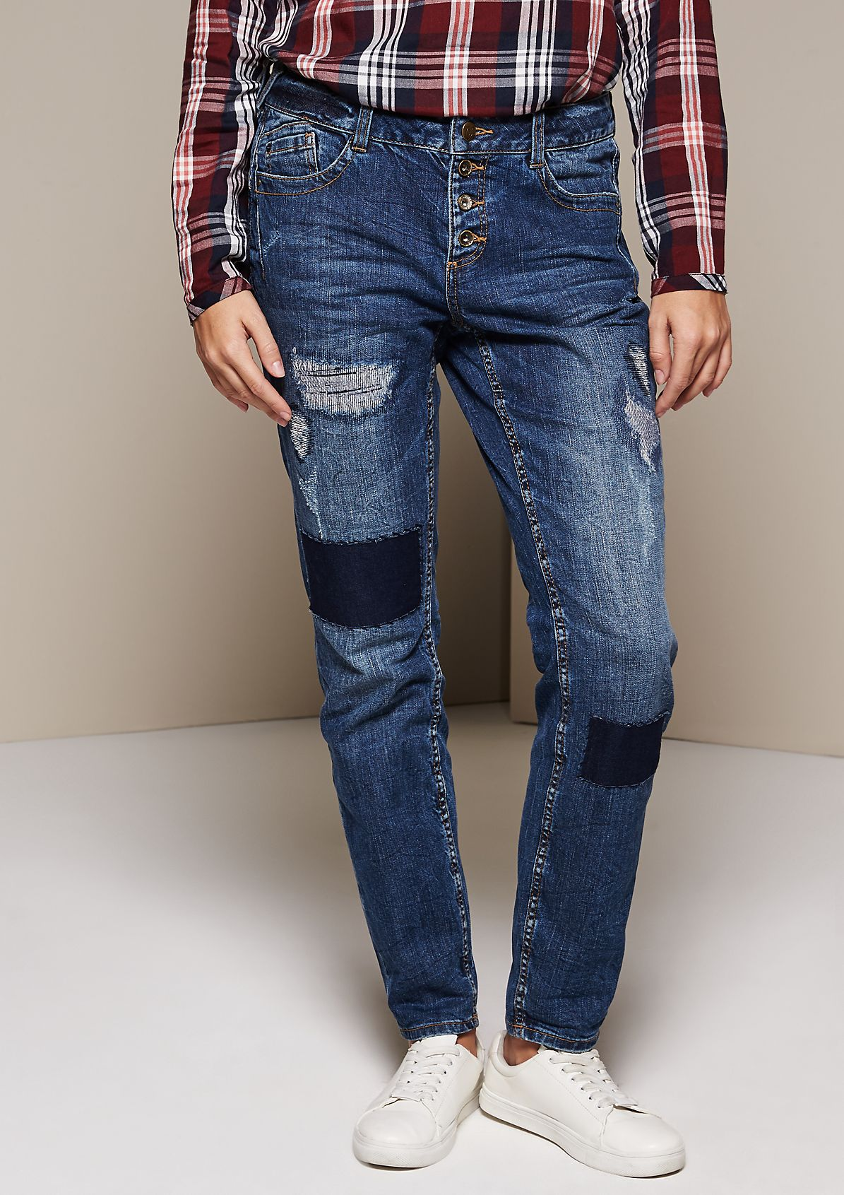 Casual boyfriend jeans in an exciting vintage look from s.Oliver