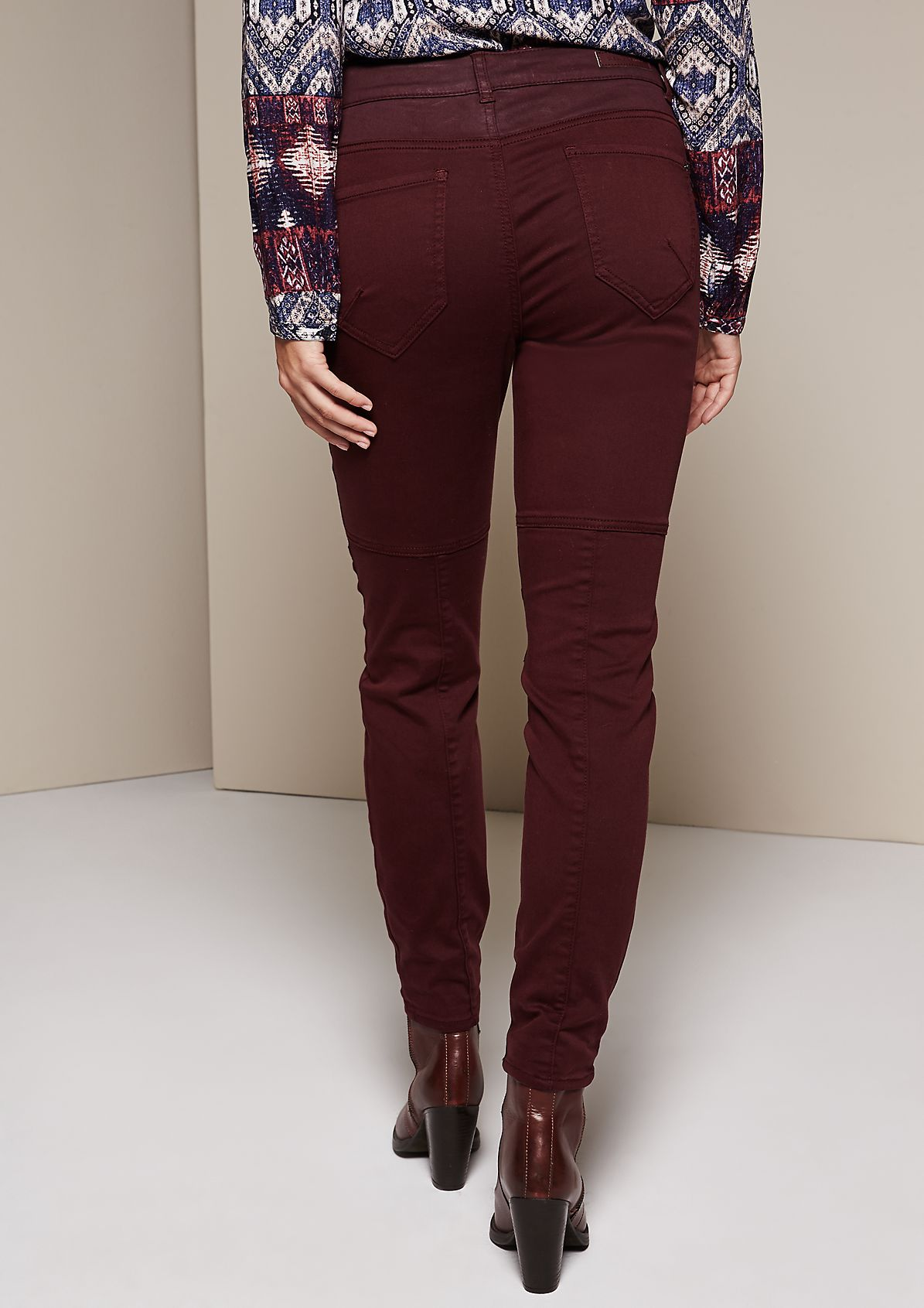 Casual trousers with extravagant detailing from s.Oliver