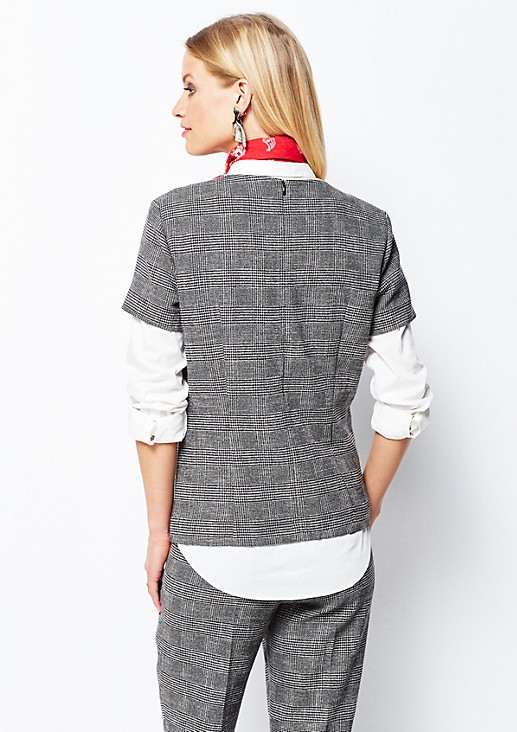 Extravagant short sleeve top with a classic glencheck pattern from s.Oliver