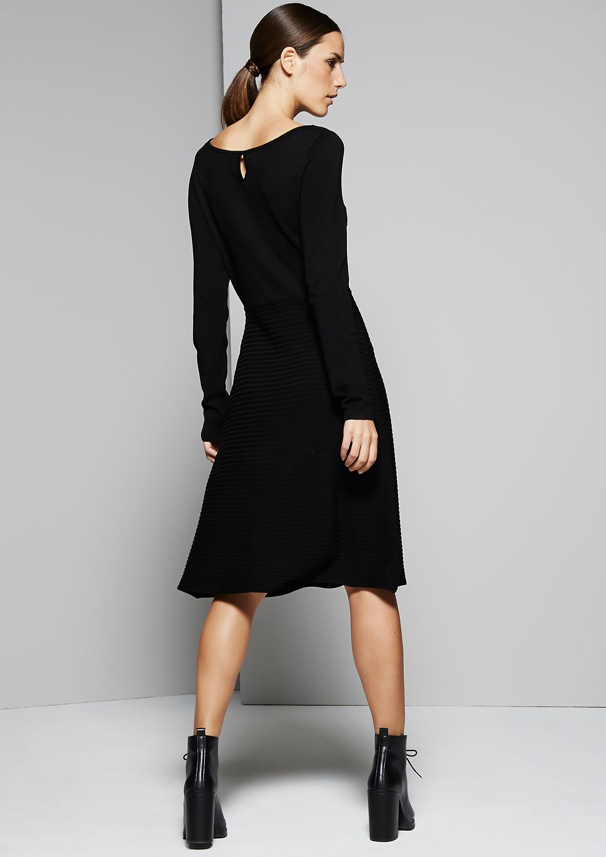 Beautiful knit dress in a mix of patterns from s.Oliver