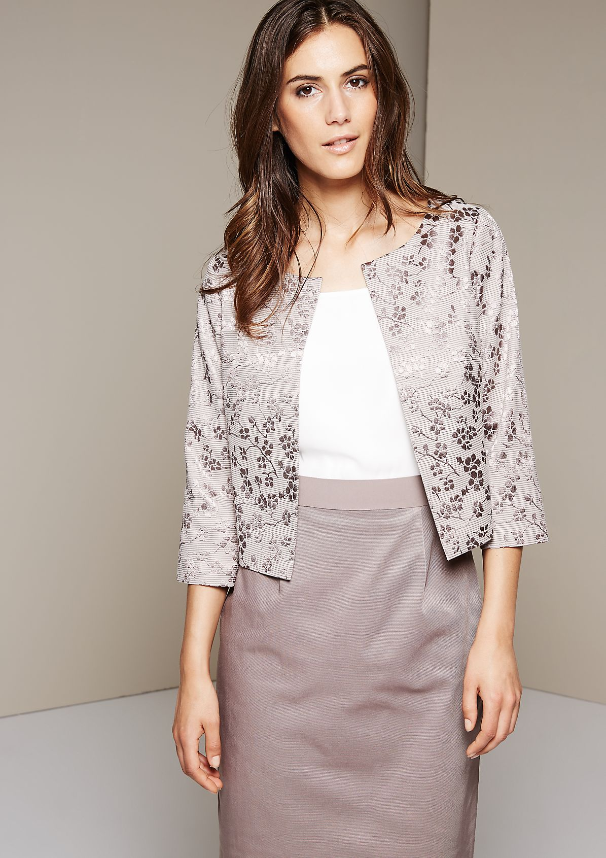 Elegant short blazer with a decorative all-over pattern from s.Oliver