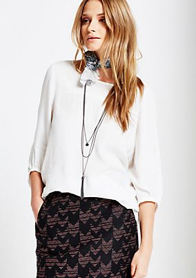 Lightweight 3/4-sleeve crêpe blouse with a necklace from s.Oliver