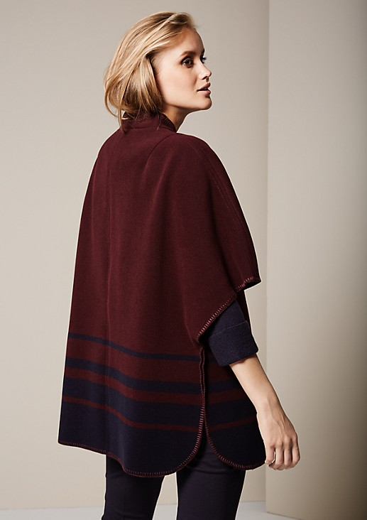 Autumn poncho with a beautiful toggle closure from s.Oliver