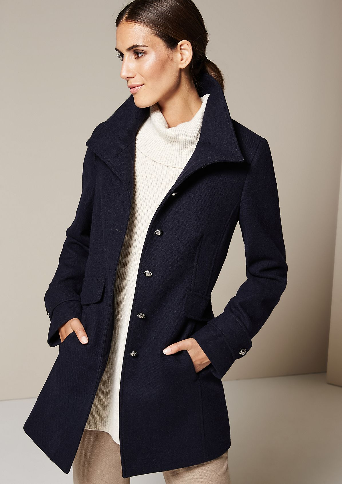 Elegant short coat with great attention to detail from s.Oliver
