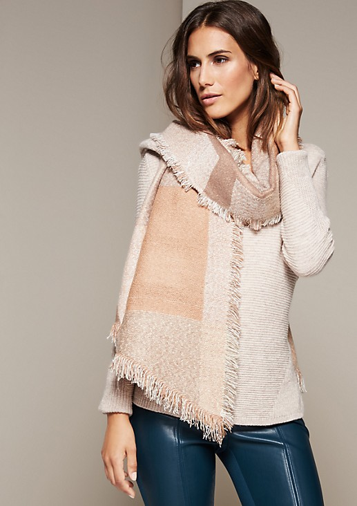 Casual knit scarf with a geometric pattern from s.Oliver