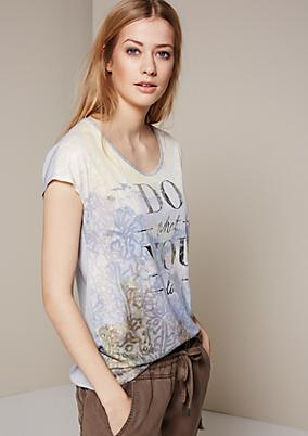 Aufregendes Kurzarmshirt mit dekorativem Frontprint