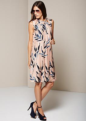 Aufregendes Viskosekleid mit dekorativem Muster
