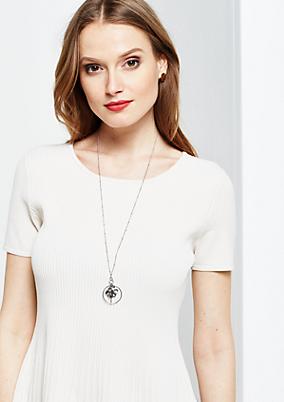 Elegante Halskette mit Anhänger