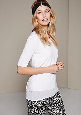 Elegantes Kurzarm-Jerseyshirt im raffinerten Materialmix