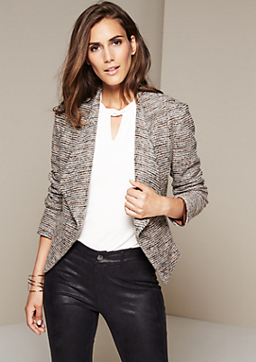 Extravaganter Businessblazer im Bouclé-Look