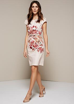 Feines Satinkleid mit dekorativem Floralprint